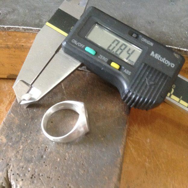 ジュエリーリペア(修理)/シルバーリングの厚みを変える方法