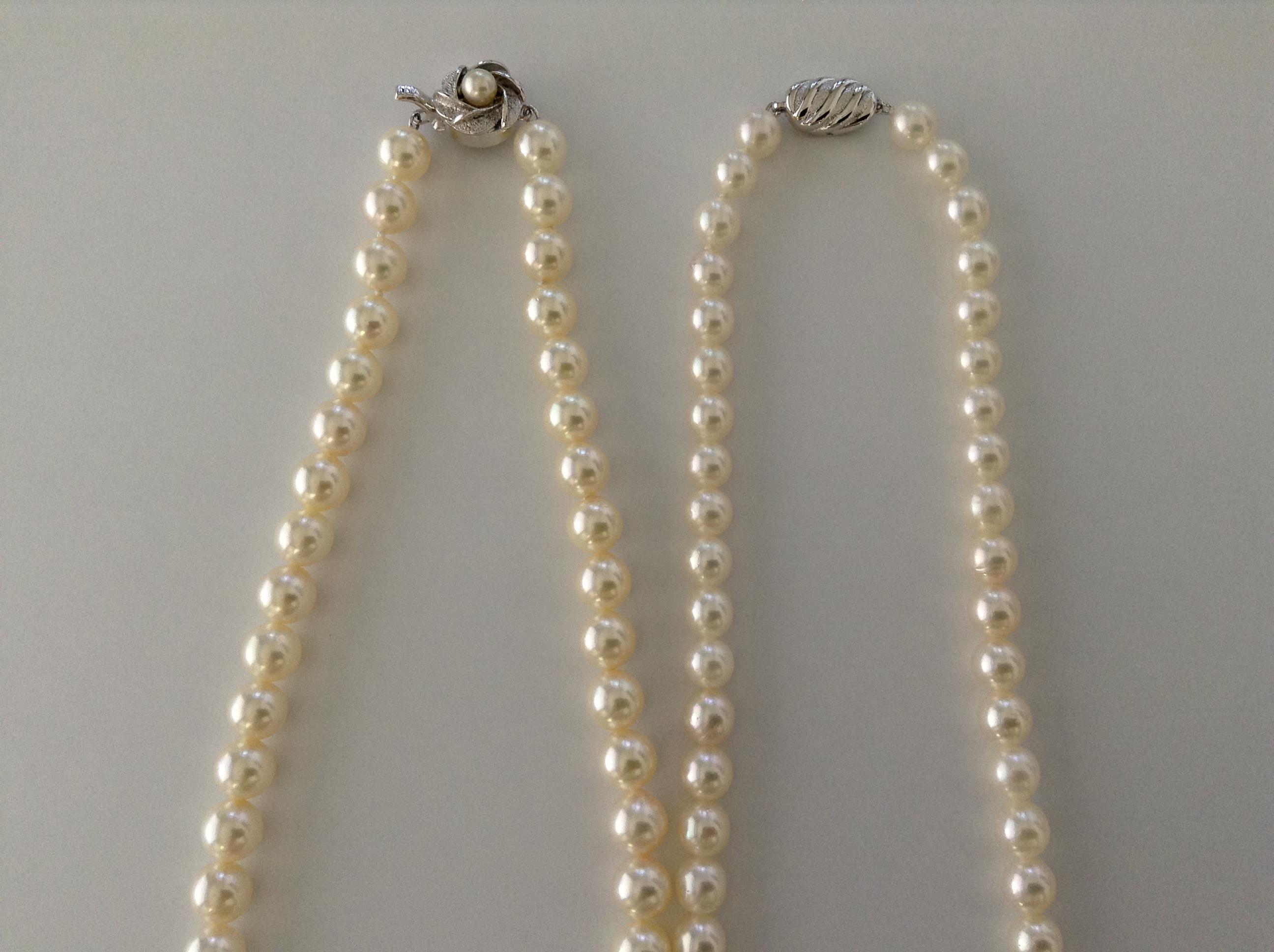 パールネックレスを二本持っている方必見!ロングでもショートでもお手持ちのブローチも生かせる糸替え方法